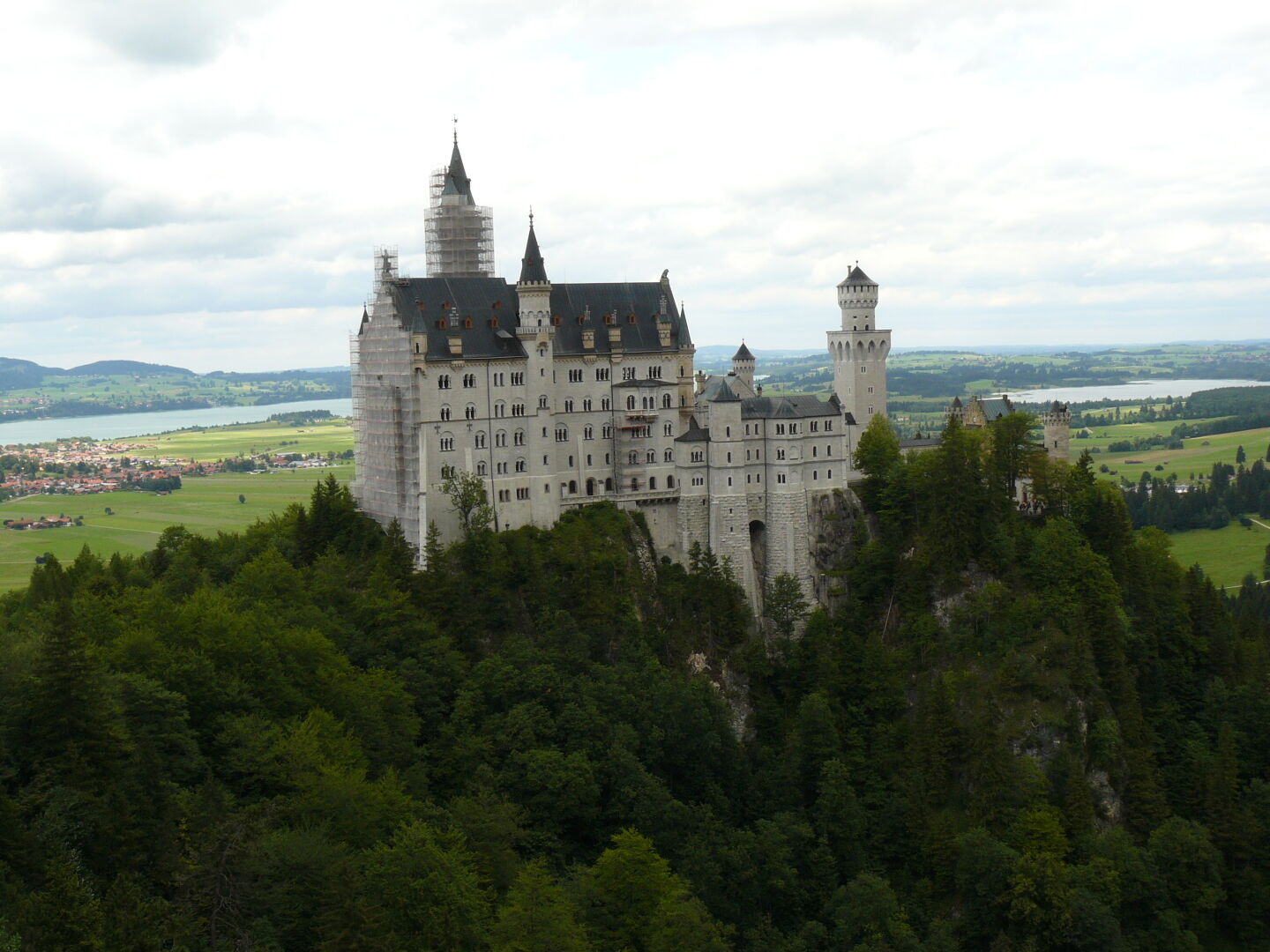 And looking back towards Neuschwanstein while on the path towards the Tegelberg.